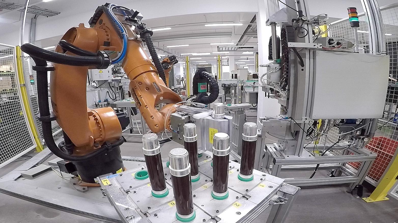 Roboter-Fertigungsinsel bei der SIBA GmbH
